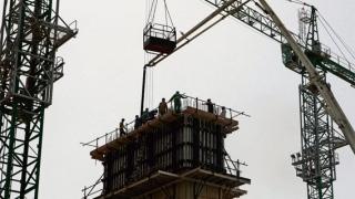 الصورة: Construction sector encouraged to take further measures to protect worker health and safety