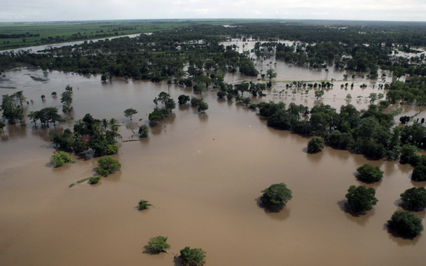 """A flooded area in Nueva Concepcion, Escuintla, 147 kilometers south of Guatemala City. The death toll from landslides in Guatemala rose to 36 on Sunday as the country's President Alvaro Colom declared the disaster a """"national tragedy"""". (AFP)"""