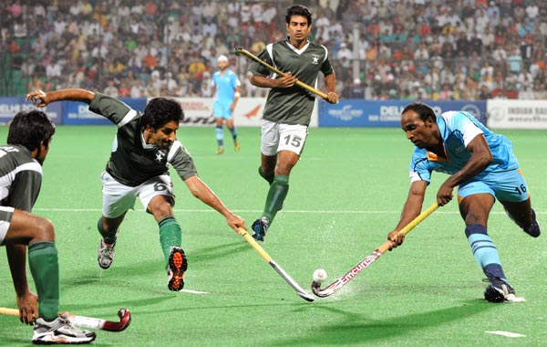 hockey match essay in urdu Essay on a hockey match points:  had come to witness the final match of the inter school hockey tournament  tenses in urdu (5.