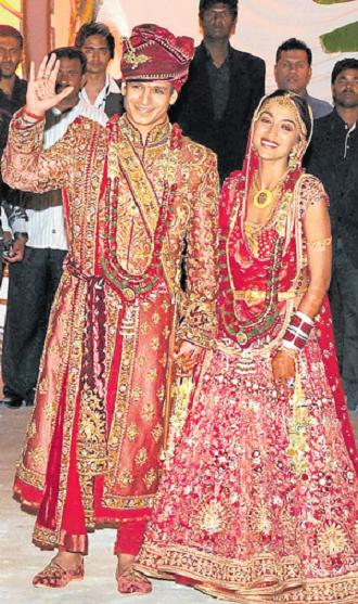Iswarya Rai Wedding.Aishwarya Rai Not Seen At Vivek Oberoi S Wedding Emirates24 7