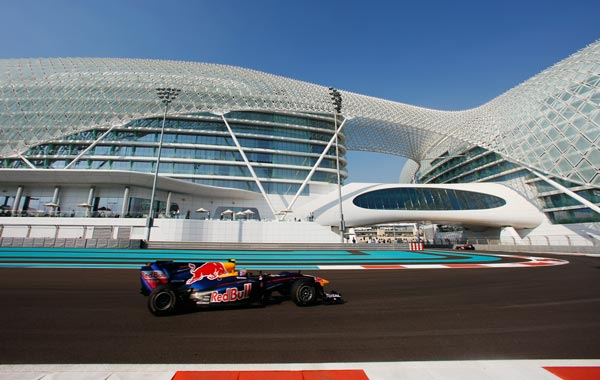 Mark Webber of Australia and Red Bull Racing drives during practice for the Abu Dhabi Formula One Grand Prix at the Yas Marina Circuit in Abu Dhabi, United Arab Emirates. (GETTY)