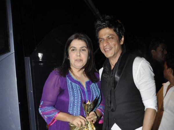 Shah Rukh and Farah at the Apsara Awards (FILE)