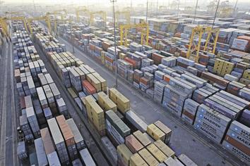 Jebel Ali port volumes better global average - Emirates24|7