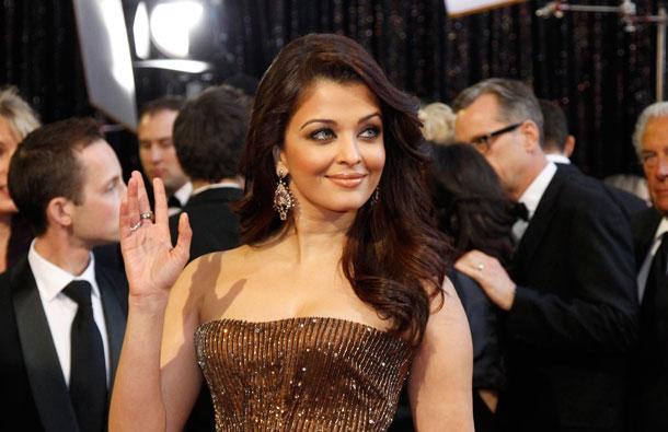 Bollywood actress Aishwarya Rai Bachan arrives at the 83rd Academy Awards in Hollywood, California. (REUTERS)