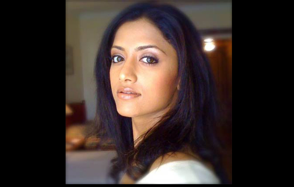 She Has Mainly Acted In Malayalam Telugu And Tamil Films Mamta Debuted In The 2005 Malayalam Film Mayookham Directed By Hariharan