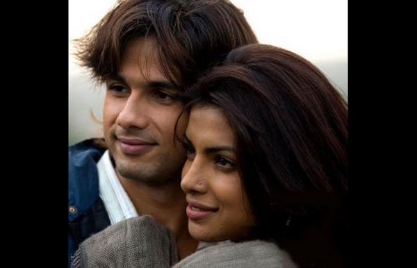 Priyanka Chopra and Shahid Kapoor: The duo got close during the shooting of 'Kaminey'. Priyanka is usually the outgoing person while Shahid is more reserved. Although the phrase goes, 'Opposites attract' guess it did not work for them. Things had gone so bad that the actors refused to talk or even acknowledge each other. However, word is that, post the Holi bash at Mannat they have vowed to be at least friends if nothing else.(AGENCIES)