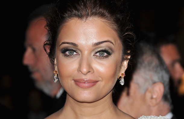 Aishwarya Rai Bachchan attends the opening night dinner during the 64th Annual Cannes Film Festival at Palais des Festivals on May 11, 2011 in Cannes, France. (GETTY/GALLO)