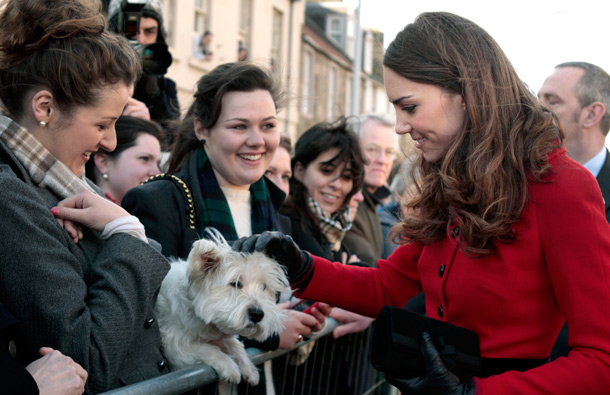 Kate Middleton meets the public during a visit to the University of St Andrews on February 25, 2011 in St Andrews, Scotland. (GETTY/GALLO)