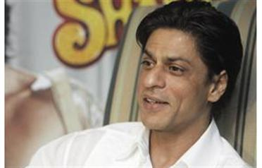 Shah Rukh Khan will undergo surgery for his knee injury in July (FILE)