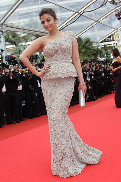 Indian Bollywood actress Aishwarya Rai Bachchan poses on the red carpet. (AFP)