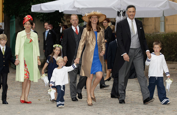 Duchess Katharina von Isenburg with husband Duke Martin Carl Habsburg-Lothringen and kids attend the religious wedding ceremony of Georg Friedrich Ferdinand Prince of Prussia to Princess Sophie of Prussia in the Friedenskirche Potsdam on August 27, 2011 in Potsdam, Germany. (GETTY/GALLO)