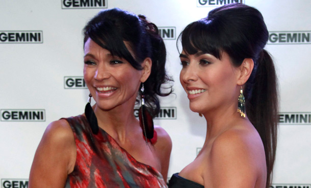 """Actresses Michelle Thrush (L) and Carmen Moore from the TV series """"Blackstone"""" pose on the red carpet at the 26th Gemini Awards in Toronto September 7, 2011. (REUTERS)"""