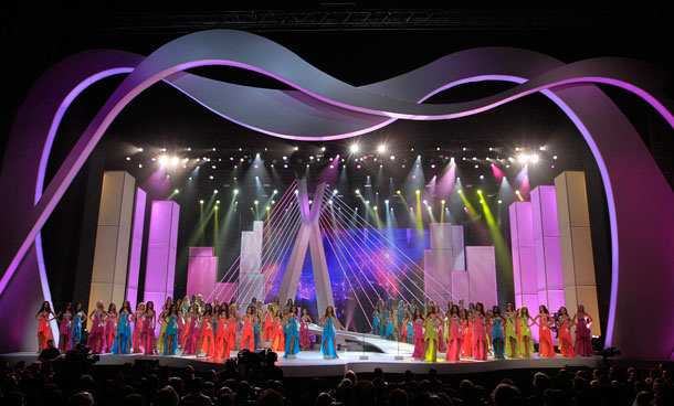 Miss Universe 2011 contestants stand on stage during the pageant in Sao Paulo September 12, 2011. (REUTERS)