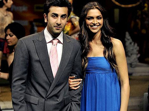 Ranbir Kapoor and Deepika Padukone in happier time at IIFA awards in Bangkok. June 09, 2008. (AFP)