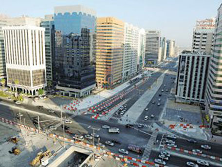 Abu dhabi opens more sections in tunnel project emirates for Al manzool decoration abu dhabi