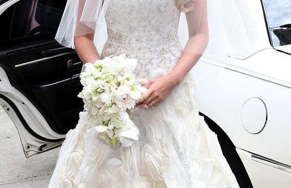 Bride To Be Raids Wedding Shop And Flees In Underwear Offbeat