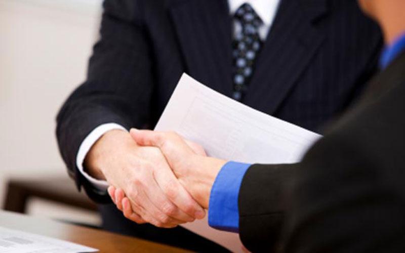 4 UAE banks hiring    offering salaries up to Dh38,000