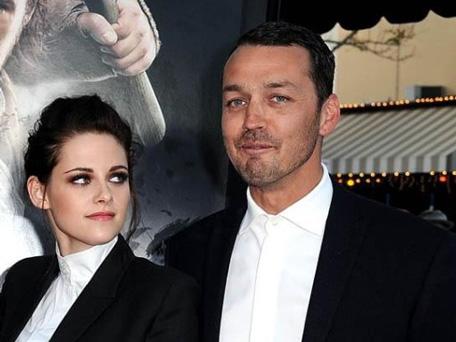 Rupert Sanders and Kristen Stewart. (REUTERS)