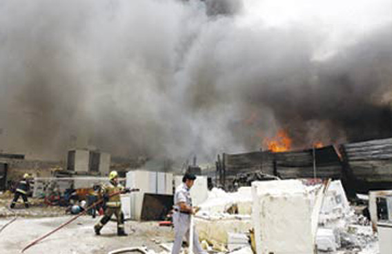 Major fire at chemical factory in Sharjah - Emirates24|7