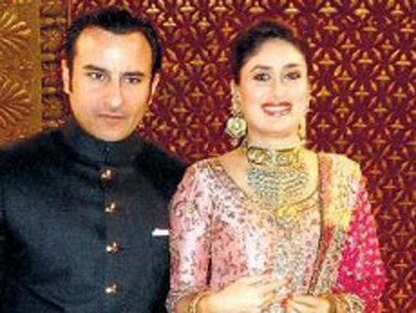 Bollywood actor Saif Ali Khan and Kareena Kapoor at their wedding reception in New Delhi. (Twitter)