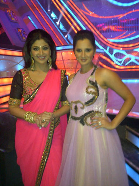 Shilpa Shetty and Sania Mirza.  (Picture from Twitter)