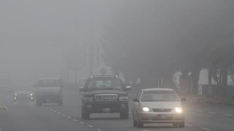 Photo: Abu Dhabi Police warns against wrong use of hazard lights during fog