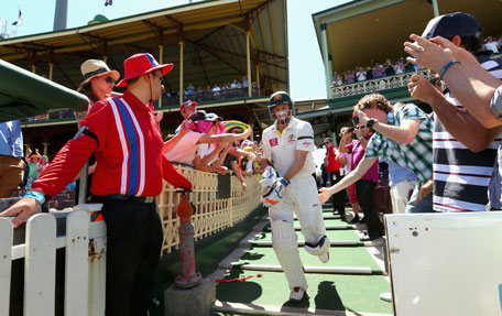 Michael Hussey of Australia walks out to bat for the last time in his Test career during day four of the third Test against Sri Lanka at Sydney Cricket Ground on January 6, 2013 in Sydney, Australia. (GETTY)