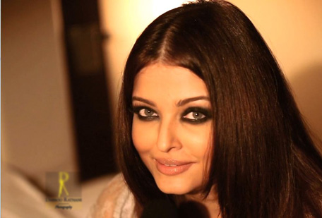 Bollywood actress Aishwarya Rai Bachchan shoots for Dabboo Ratnani's 2013 calendar. (Screen shot)