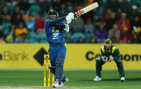 Angelo Mathews steered Sri Lanka to victory in 1st T20 international against Australia at the SCG on Saturday. (GETTY)