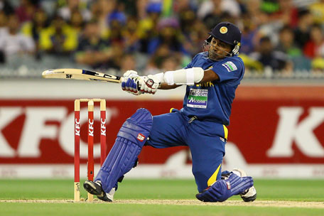 Mahela Jayawardene of Sri Lanka plays a shot during the 2nd Twenty20 international against Australia at Melbourne Cricket Ground on January 28, 2013 in Melbourne, Australia. (GETTY)