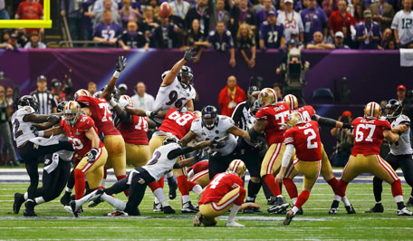 San Francisco 49ers kicker David Akers misses a field goal against the Baltimore Ravens as a roughing the kicker penalty nullified the play during the third quarter in the NFL Super Bowl XLVII football game in New Orleans, Louisiana, February 3, 2013.  (REUTERS)