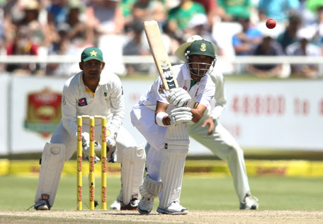 Robin Peterson of South Africa plays a shot during day three of the 2nd Test against Pakistan at Sahara Park Newlands on February 16, 2013 in Cape Town, South Africa. (GETTY)