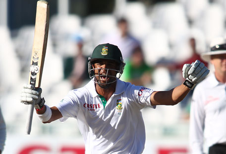 Robin Peterson of South Africa celebrates as South Africa beat Pakistan on day 4 of the 2nd Test at Sahara Park Newlands on February 17, 2013 in Cape Town, South Africa. (GETTY)