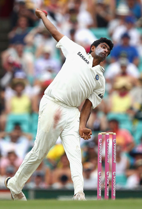 Ravichandran Ashwin of India bowls during day two of the second Test against Australia at the Sydney Cricket Ground on January 4, 2012 in Sydney, Australia. (GETTY)