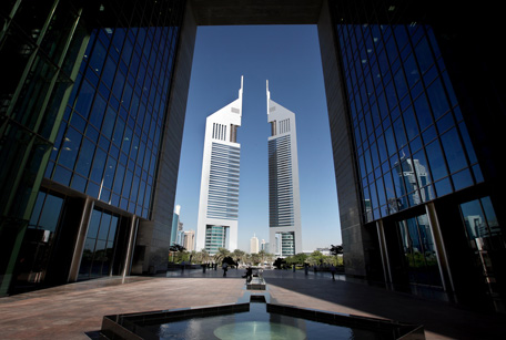 Private equity major apollo eyes regional hq in dubai emirates 24 7 - Middle office private equity ...