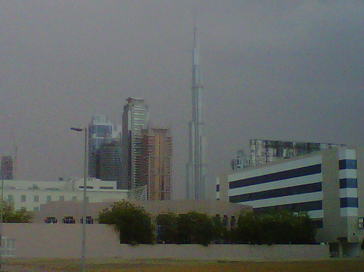 Dubai residents greeted by early morning rain on Sunday. (Image contributed by Emirates 24|7 Reader Jogiraj Sikidar)