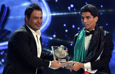 Gaza 39 s arab idol winner mohammad assaf gives palestinians for Assaf lebanese cuisine