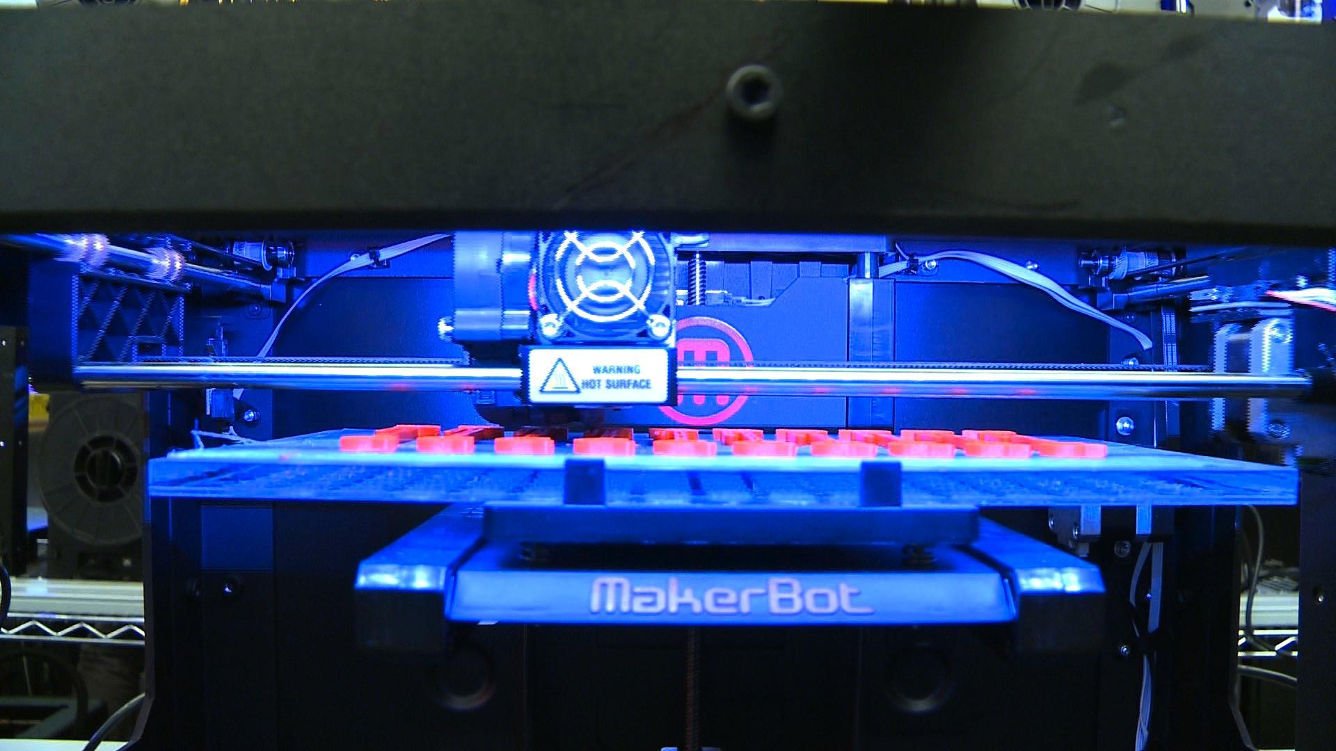 Design World Cebit 39 S Online Robots 3d Printers