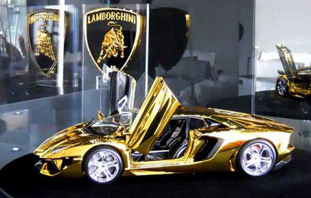 Lamborghini made of 500kg of gold and jewels on display in