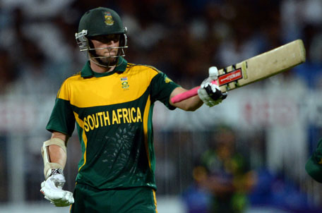 South Africa's Wayne Parnell waves his bat after making fifty during the first one-day international against Pakistan in Sharjah Cricket Stadium on October 30, 2013. (AFP)