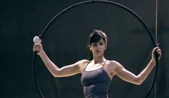 Bollywood actor Katrina Kaif puts in gruelling hours of practice and plenty of effort in Chicago. (YOUTUBE)
