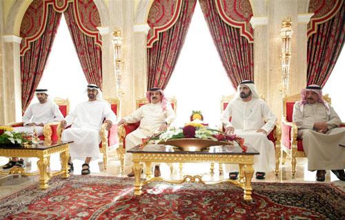 His Highness Sheikh Mohammed bin Rashid Al Maktoum, General Sheikh Mohammed bin Zayed Al Nahyan and  Sheikh Hamdan bin Mohammed bin Rashid Al Maktoum meet King Hamad bin Isa Al Khalifa of Bahrain in Dubai today (Wam)