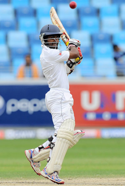 Sri Lankan batsman Kaushal Silva plays a shot during the final day of the second cricket Test between Pakistan and Sri Lanka at the Dubai International Stadium in Dubai on January 12, 2014. (AFP)