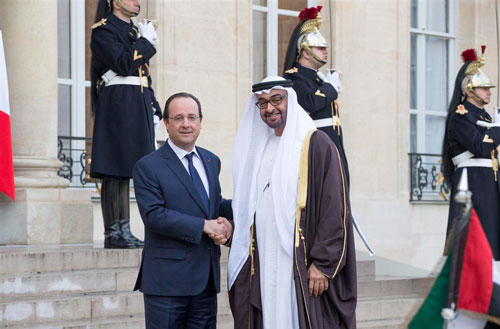 General Sheikh Mohammed bin Zayed Al Nahyan meets French President Francois Hollande in Paris today (Wam)
