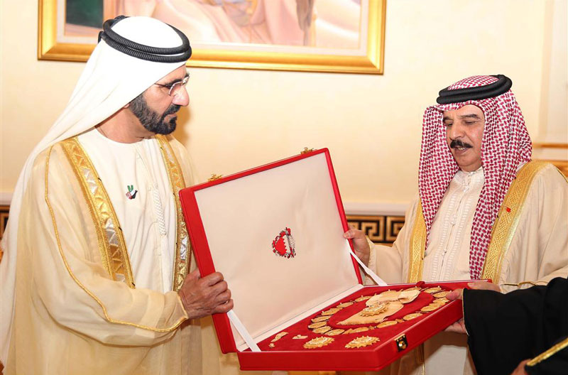 His Highness Sheikh Mohammed bin Rashid Al Maktoum, Vice-President and Prime Minister of the UAE and Ruler of Dubai, receives the Sheikh Isa bin Salman Al Khalifa Medal First Class from King of Bahrain (WAM)
