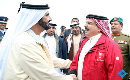 Mohammed seen off at the airport by King Hamad. (www.sheikhmohammed.ae)