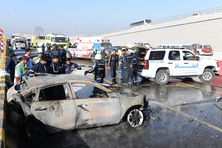 Video: 1 burnt to death in 5-car pile-up on Dubai-Abu Dhabi road ...