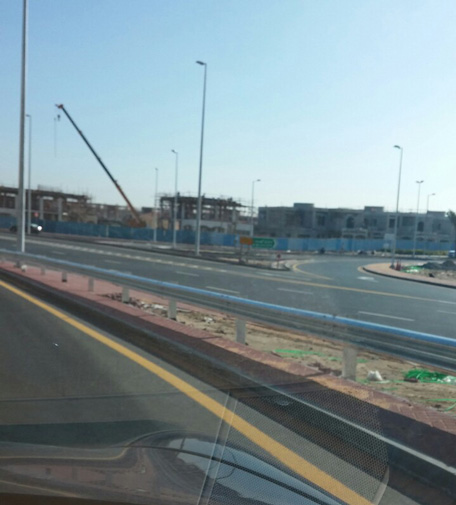 The entrance to Jumeirah Park on the right, but there is no exit connecting to it from JLT. (Parag Deulgaonkar)