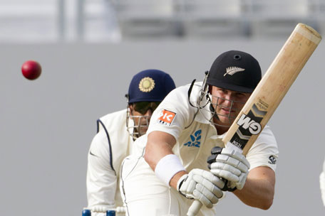 Corey Anderson of New Zealand bats during day one of the 1st Test between New Zealand and India at Eden Park in Auckland on February 6, 2014. (AFP)