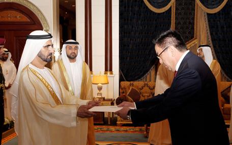 Mohammed receives ambassador of Republic of Kazakhstan (Wam)